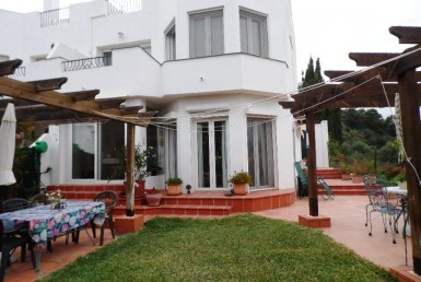 front of semi-detached house in selwo estepona