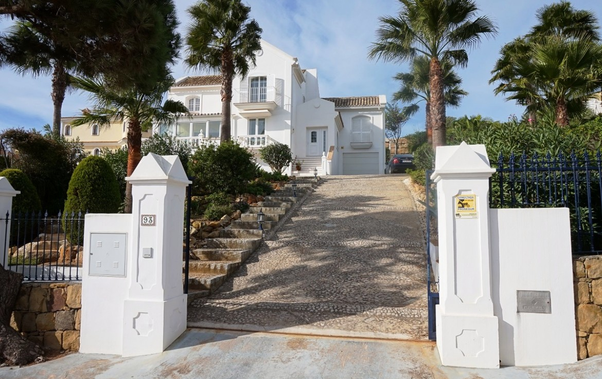 drive at Manilva Villa with Stunning Sea Views