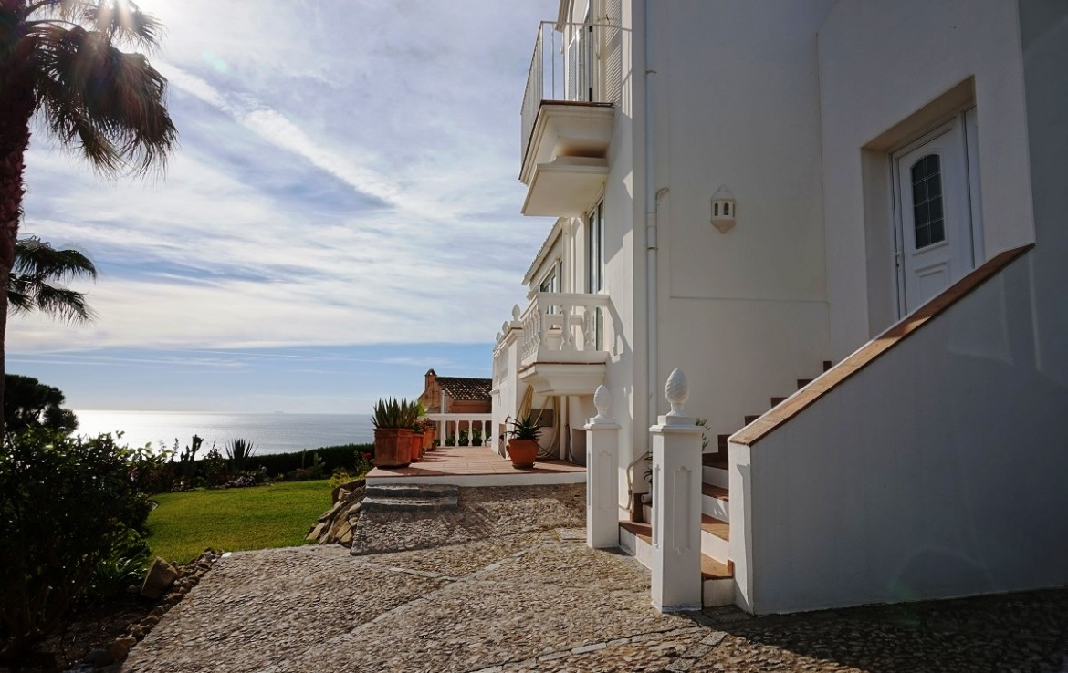 front & view of Manilva Villa with Stunning Sea Views