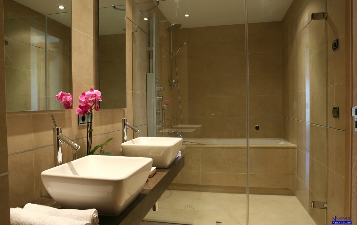 bathroom at New Apartments in Sotogrande Marina