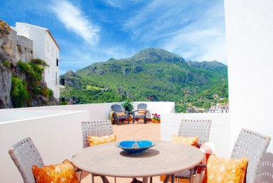Charming Village Apartments in Casares