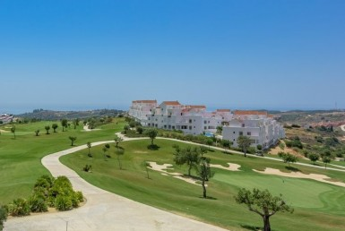 Frontline Golf 2 Bed - course