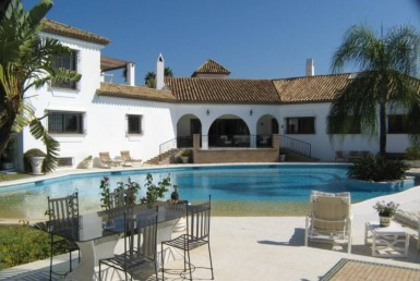 house front at Luxury Estepona Villa with Fantastic Sea Views