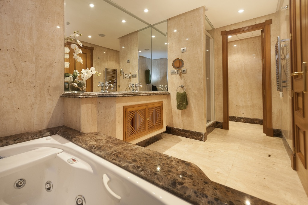 bathroom of Beachfront Apartment in Los Monteros, Marbella